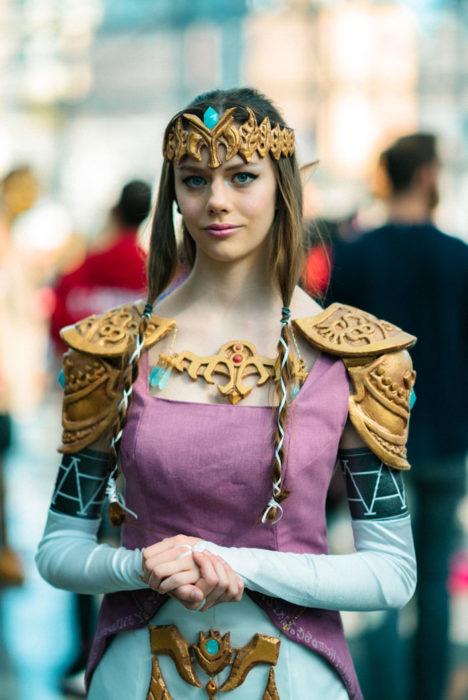 Mujer disfrazada de princesa en New York Comic Con 2019