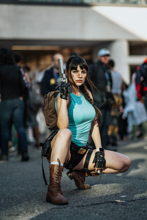 Chica disfrazada como Lara Croft en New York Comic Con 2019