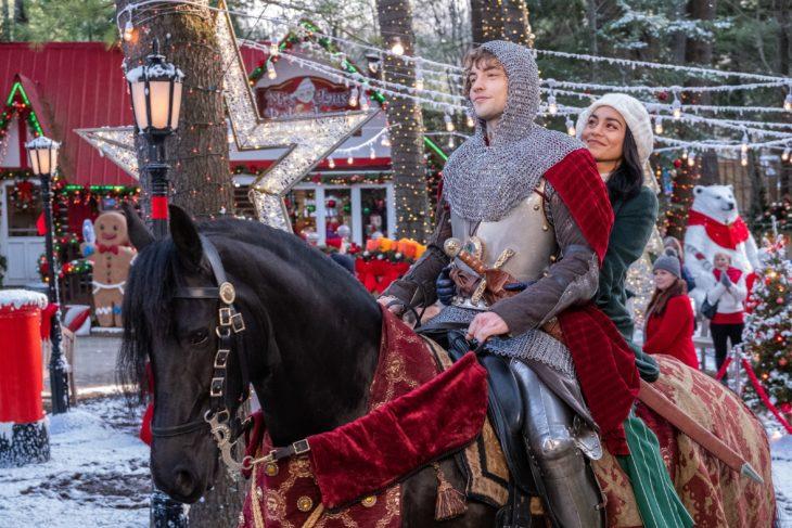 Estrenos de películas de Navidad en Netflix; The knight before Christmas con Vanessa Hudgens y Josh Whitehouse