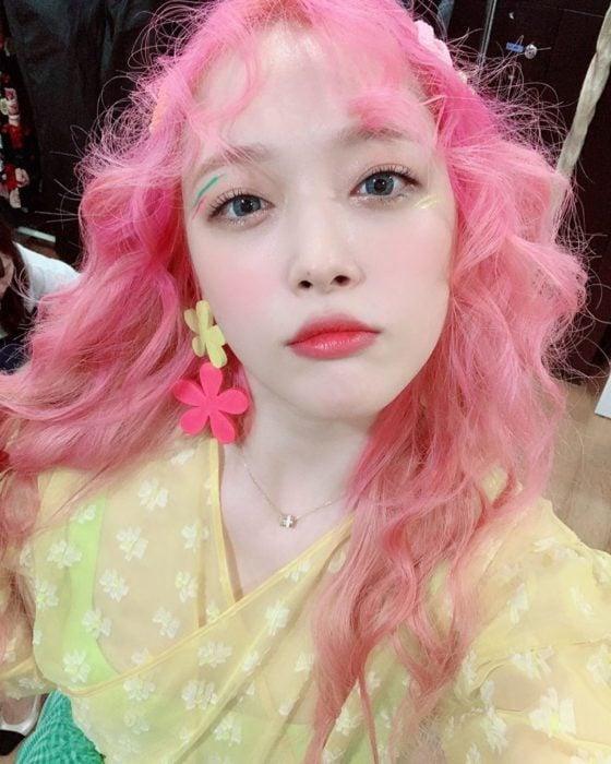 Fallece cantante de K-pop Sulli, exintegrante del grupo f(x); chica coreana con cabello rosa