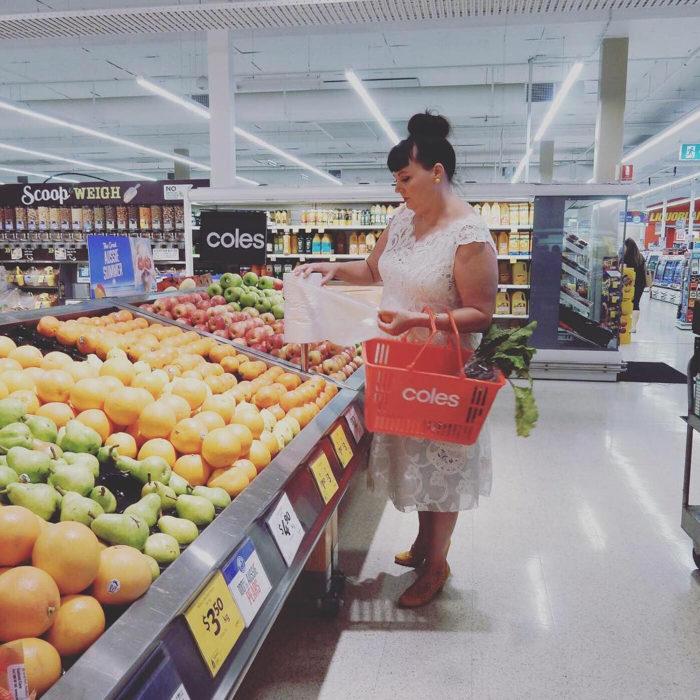 Tammy Hall de compras