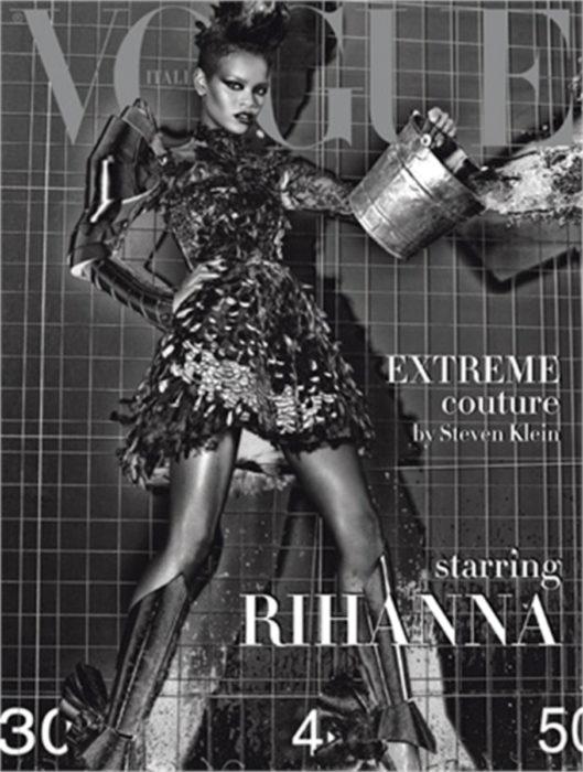 Rihanna en la portada de la revista de moda Vogue; Italia, 2009, fotografía en blanco y negro