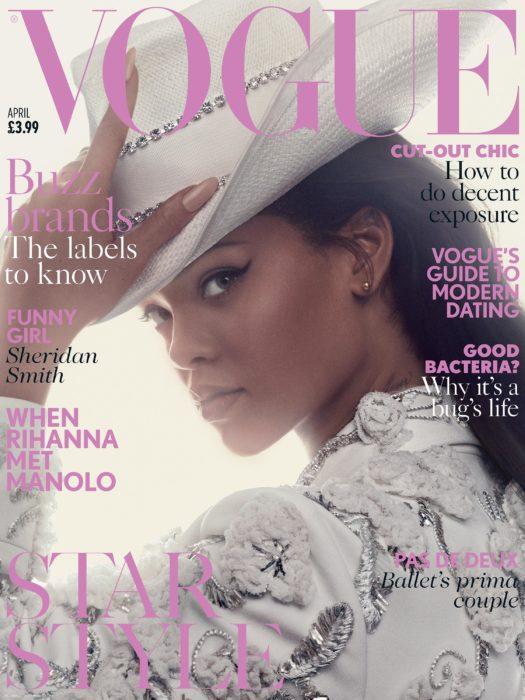 Rihanna en la portada de la revista de moda Vogue Reino Unido, abril del 2016; cantante con sombrero blanco