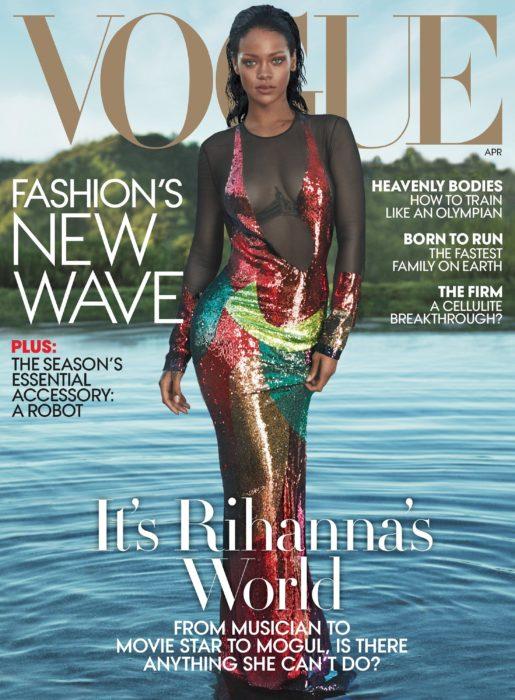 Rihanna en la portada de la revista de moda Vogue Estados Unidos de abril del 2016; mujer en un lago con vestido de noche