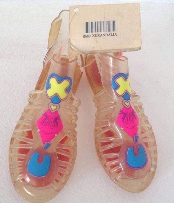 Sandalias con olores frutales