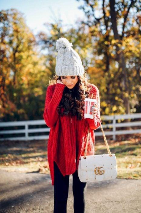 outfit color rojo invierno