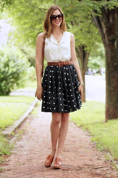 outfit con cinturón café