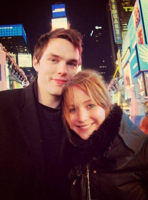 Jennifer Lawrence y Nicholas Hoult de vacaciones decembrinas