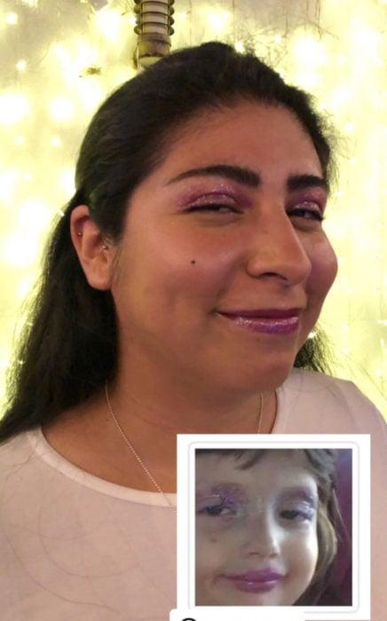 Chica celebra fiesta de cumpleaños con temática de memes y stickers; niña pintada con glitter