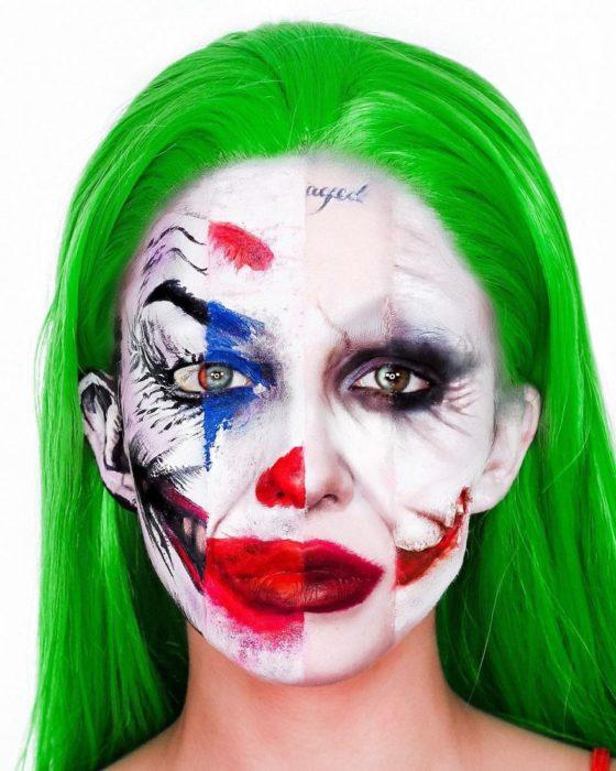 Chica maquillada con los diferentes rostros de el guasón