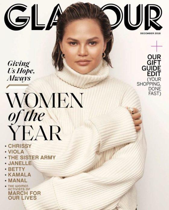 Chrissy teigen en la portada Glamour del 2018 presentada como La Mujer del Año