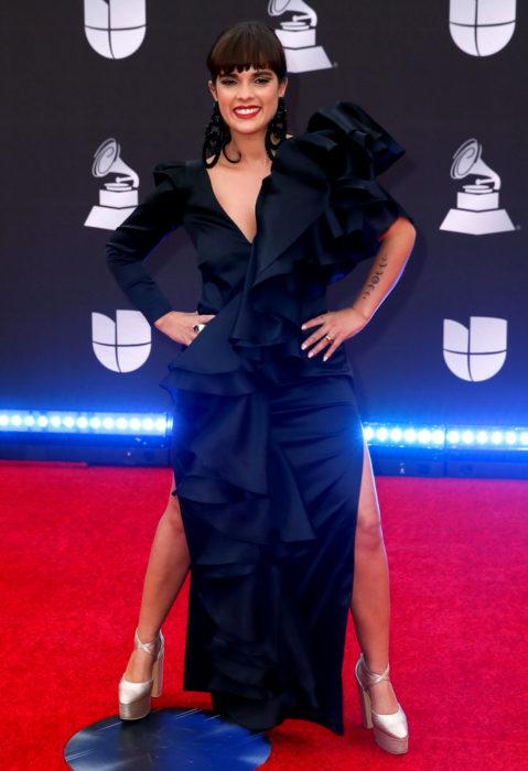 Los peores looks de los Latin Grammys 2019; Paula Arenas