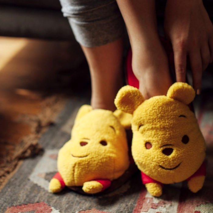 Bonitas pantuflas kawaii; calzado de Winnie Pooh
