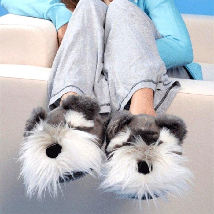 Bonitas pantuflas kawaii; calzado de perro schnauzer