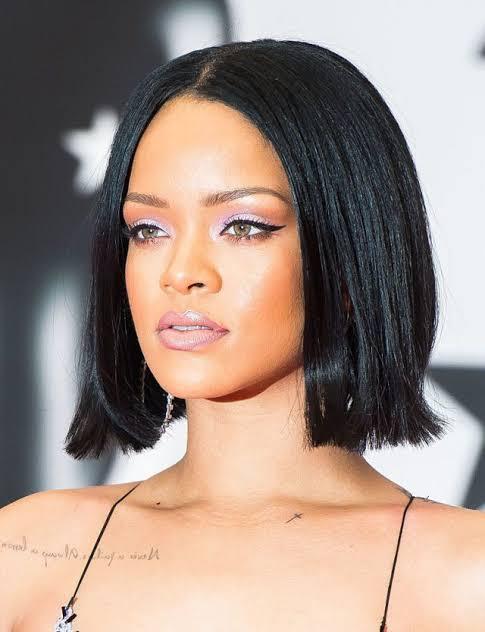 Rihanna con corte bob
