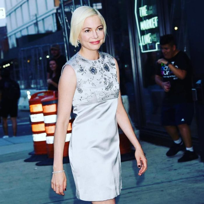Michelle Williams con corte bob