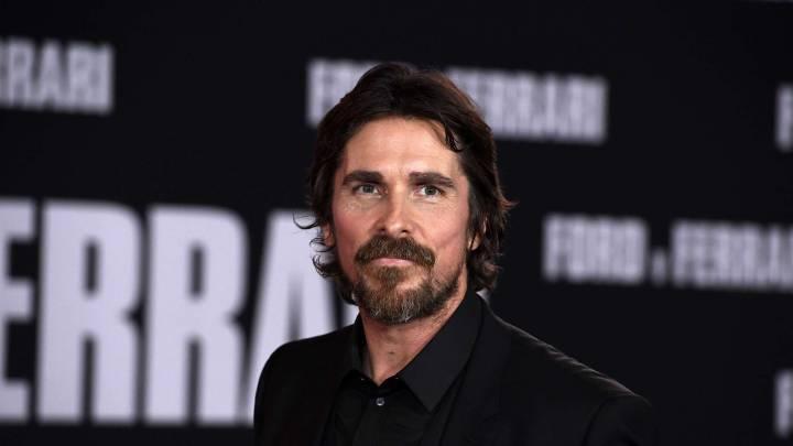 Christian Bale durante una alfombra roja de Batman