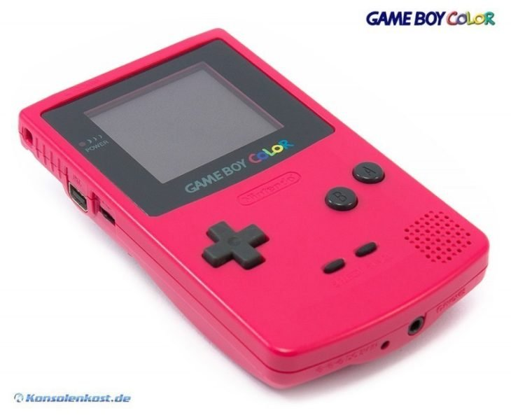 Game Boy de color rosa fuccia