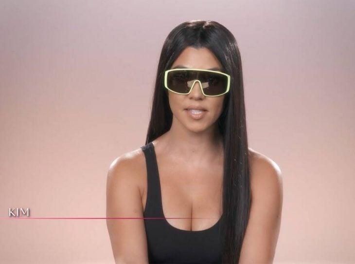 Kourtney Kardashian disfrazada como Kim Kardashian West