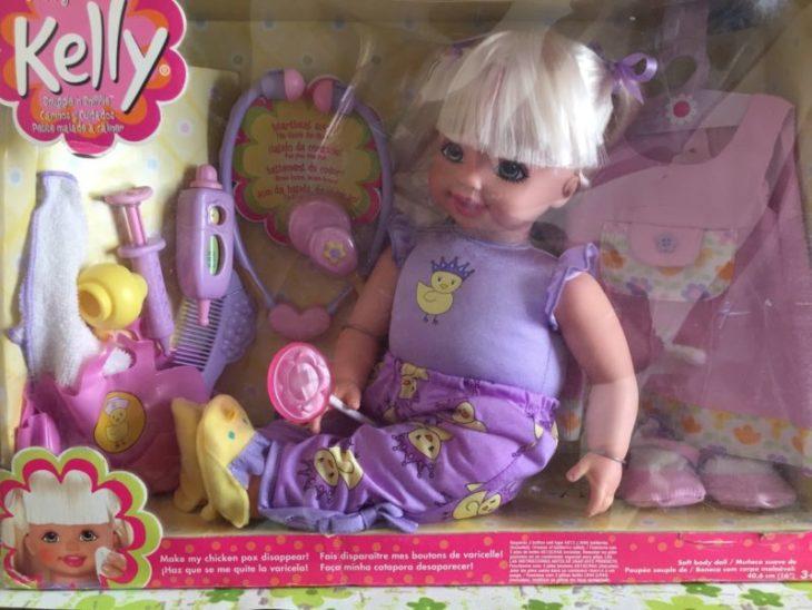 Muñeca Kelly grande versión enferma