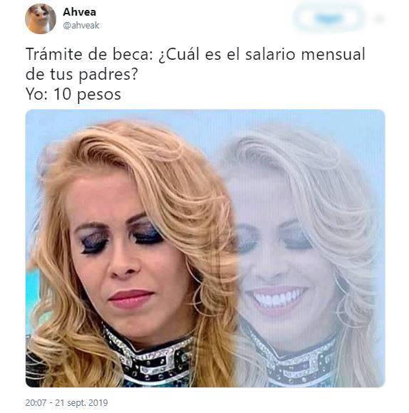 Meme de señora que está triste y después feliz