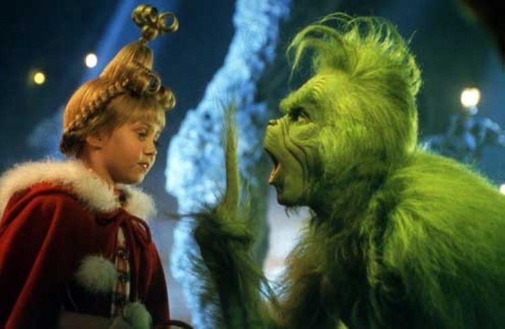 Escena de la película El Grinch, El Grinch frente a Lucy Quien