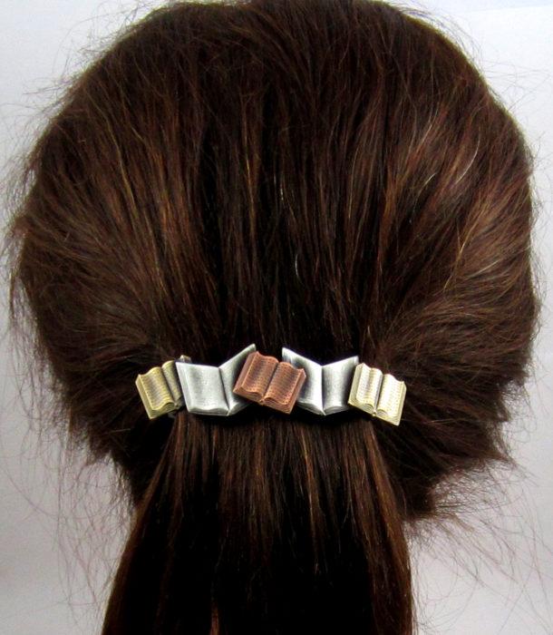 Regalos para personas que aman leer; broce para cabello en forma de libros