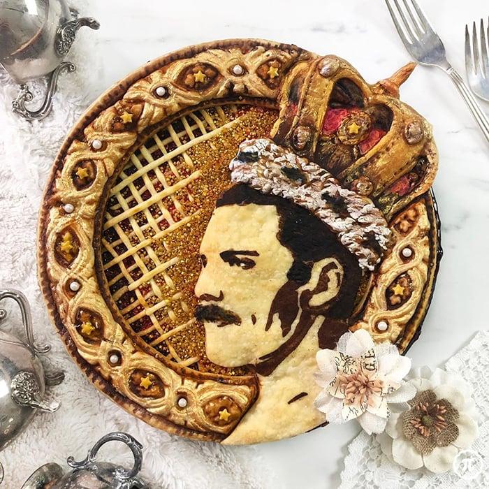 Pay creado por Jessica Leigh Clark-Bojin inspirado en Freddie Mercury