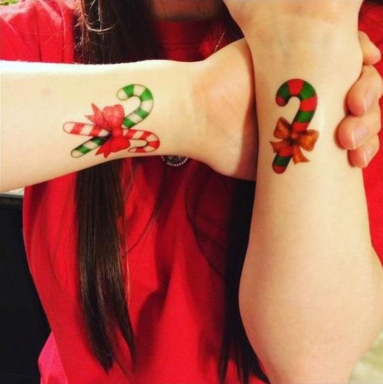 Tatuajes con diseños de bastones de caramelo