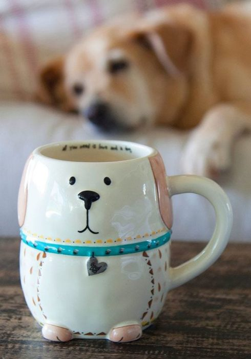 Taza con diseño de perro