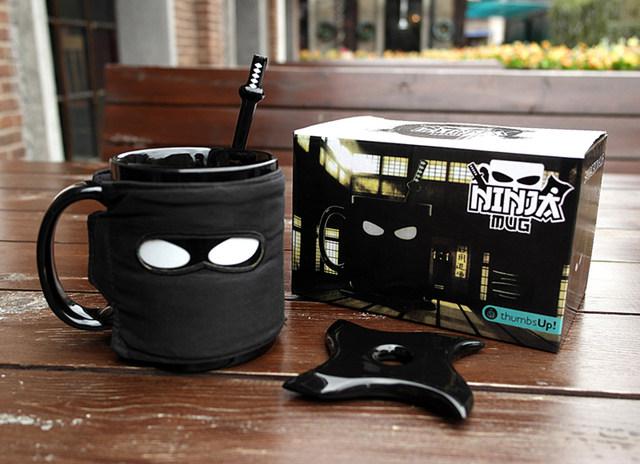 Taza en forma de ninja negro