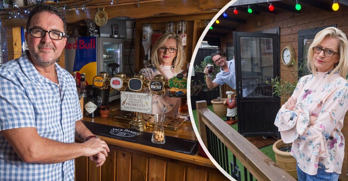 ¡Mujer alfa! Construye un bar en el jardín de su casa para su esposo