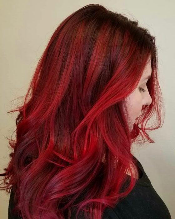 Tinte tono rojo vibrante real