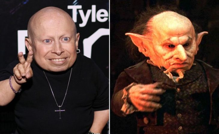Verne Troyer interpretando a uno de los elfos de Harry Potter
