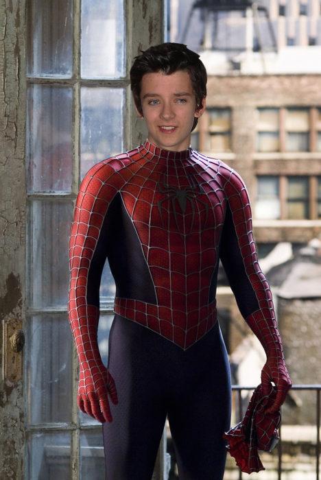 Asa Butterfield como Spider-Man