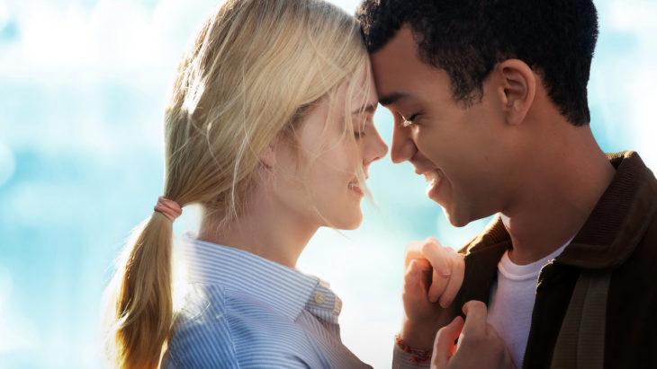 Escena de la película Violet & Finch en Netflix