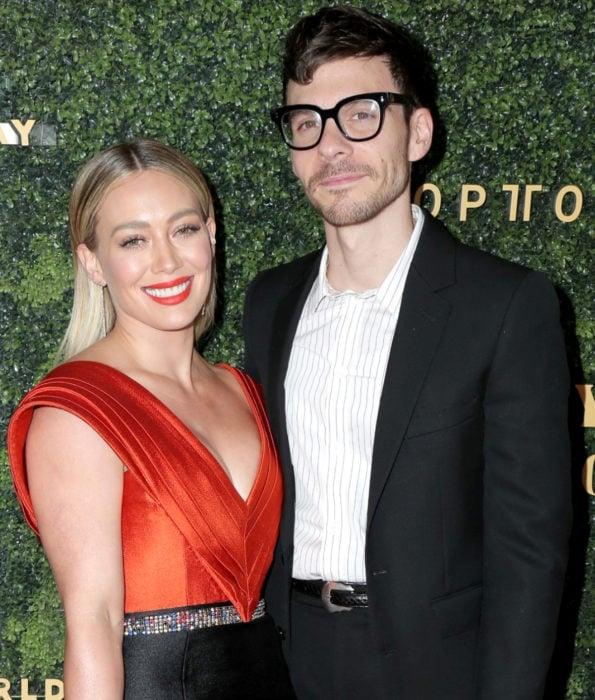 Famosos que han ayudado y donado dinero para detener los incendios en Australia; Hilary Duff y Matthew Koma