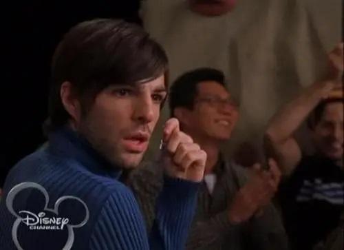 Zachary Quinto Interpretó a un ególatra director de cine en Lizzie McGuire.