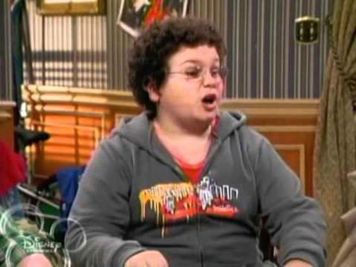 Troy Gentile Dio vida a Jeremy, el amigo geek de Zack y Cody en Zack y Cody gemelos en acción.