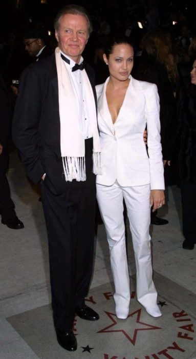 Angelina Jolie con su padre Jon Voigth