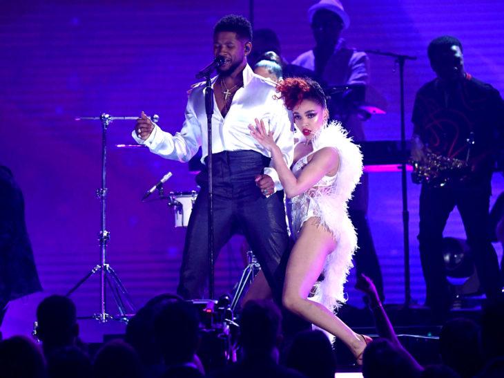 Mejores momentos de los Grammy 2020; Usher y FKA Twigs rinden homenaje a Prince