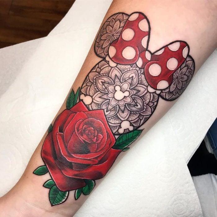 Tatuaje de la silueta de Minnie Mouse, Disney