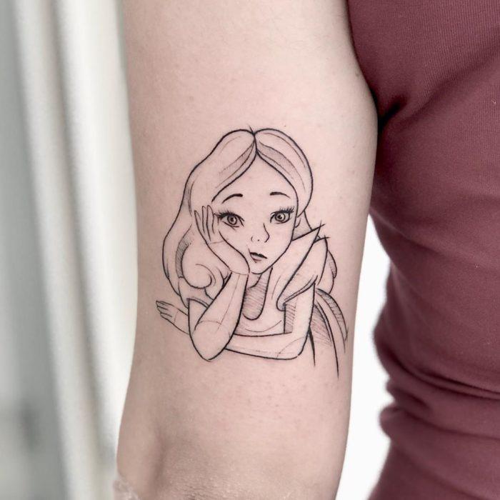 Tatuaje de Alicia, Alicia en el país de las Maravillas, Disney