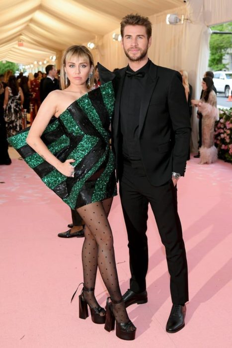 Miley Cyrus y Liam Hemsworth en la MET Gala 2019
