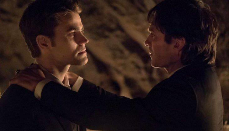 Stefan Salvatore junto a su hermano Dameon Salvatore en Diarios de Vampiros