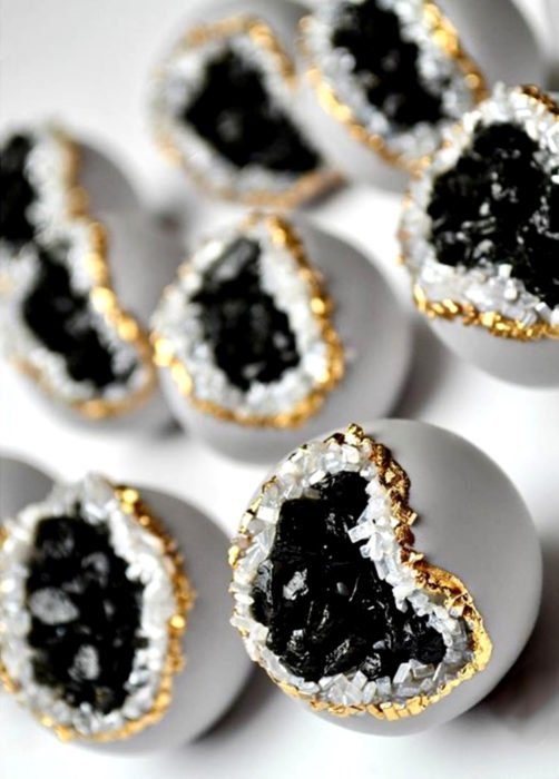 Pastel de boda; galletas redondas con cuarzo negro