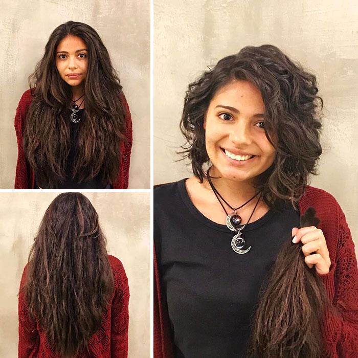Chica sonriendo antes y después de donar su cabello a la estilista Hayley Pritchard