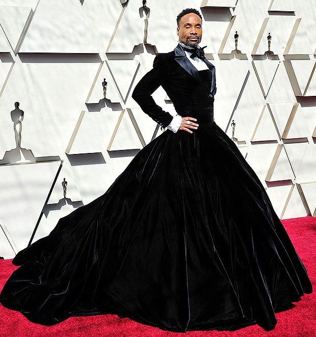 Billy Porter look traje con falda negro terciopelo Academy Awards 2019