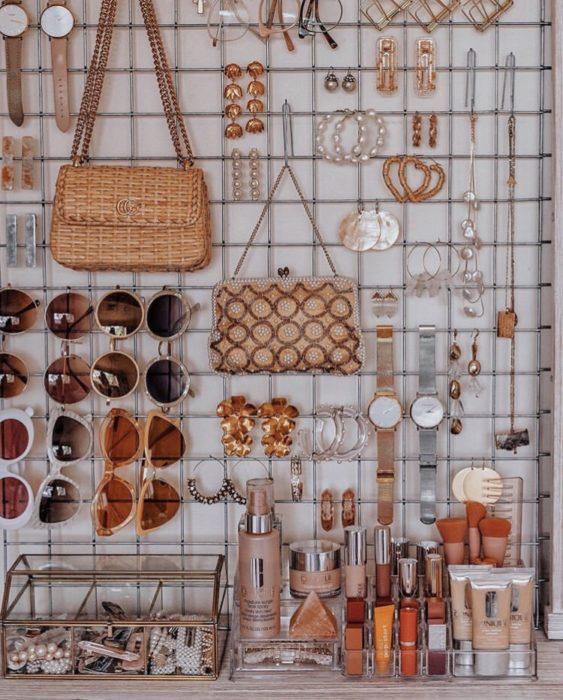 Soporte de jardín que sirve para accesorios