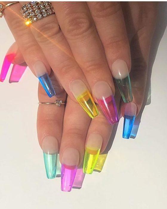 Uñas con efecto gelatina de colores